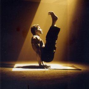 瑜伽的七大好处 西安赛高瑜伽馆雨桐教你瑜伽英语  鸽子式:   &图片